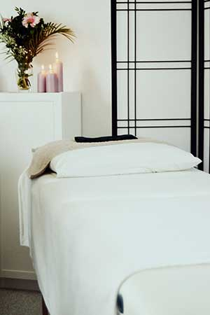 reiki treatment bed